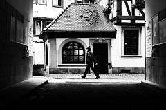 (formwandlah) Tags: kaiserslautern sunny day winter street photography streetphotography silhouette silhouettes silhouetten shadow schatten dark noir urban candid city strange gloomy cold sureal bizarr skurril abstract abstrakt melancholic melancholisch darkness light bw blackwhite black white sw monochrom high contrast ricoh gr pentax formwandlah thorsten prinz licht shadows fear paranoia einfarbig schwarzer hintergrund nacht fotorahmen spiegelung reflection reflektion schärfentiefe bürgersteig landstrase