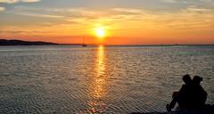 Ancona porto (sidney 51) Tags: verde montagne tramonto nuvole mare grigio persone giallo porto cielo sole rosso azzurro nero arancio marrone ancona