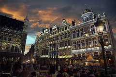 Brussels - grote markt (thanks for visiting my page) Tags: brussel grotemarkt belgium night goldenhour sunset bertmeijers bmeijers