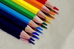 Studio di matite colorate (Federico Feroldi Foto) Tags: colors pencils macro reflection mirror rainbow sharp nikond7000 tamron70300 closeup studio details