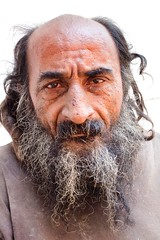 Street Portrait, Cartagena (klauslang99) Tags: streetphotography klauslang cartagena colombia person portrait outdoors man beard face