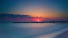 Sonnenaufgang an der Ostsee (blichb) Tags: 2016 buhne deutschland fischlanddarszingst frühling langzeitbelichtung mvp mecklenburgvorpommern meer ostsee sonya7rii strand zeissloxia235 zingst blichb sonnenaufgang