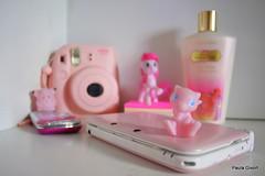 Mew (paulagivort) Tags: instaxmini8 pokémon mew rosa pink girls