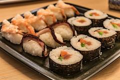 SUSHI!! (Fabrizio Aloisi) Tags: suhi japanese food giapponese pesce salmone avocado shrimp rice nori alga homemade fattoincasa nikon d5500 nikkor fabrizioaloisi