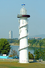 Austria-02807 - Not a Lighthouse (archer10 (Dennis) 90M Views) Tags: austria vienna globus sony a6300 ilce6300 18200mm 1650mm mirrorless free freepicture archer10 dennis jarvis dennisgjarvis dennisjarvis iamcanadian novascotia canada donaupark tower danube lighthouse theatre