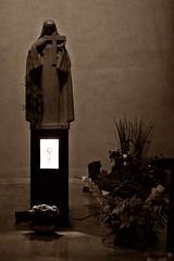 12 - Metz Eglise Sainte-Thrse Statue (melina1965) Tags: sculpture church statue sepia nikon churches july statues lorraine juillet glise sculptures metz spia moselle reliquary 2015 glises reliquaries d80 reliquaire reliquaires