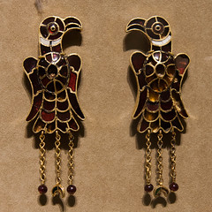Eagle earrings (ghostwheel_in_shadow) Tags: usa newyork bird america us clothing unitedstates eagle manhattan decoration earring jewellery raptor falcon northamerica newyorkstate met viking metropolitanmuseumofart decorated vertebrate norse ornamentation anglosaxon cloissonn ornamentdecorative artcultureandcraft