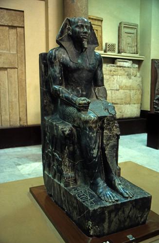 """Ägypten 1999 (599) Kairo: Chephren-Sitztstatue, Ägyptisches Museum • <a style=""""font-size:0.8em;"""" href=""""http://www.flickr.com/photos/69570948@N04/31215660754/"""" target=""""_blank"""">View on Flickr</a>"""