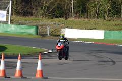 DSC_5408 (102er) Tags: racing car motorsport cars race racecar auto motorracing bike bikes motorcycle motorbike mallory park mallorypark plum pudding plumpudding uk nikon d7000 tamron