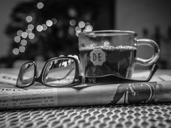 At the kitchen table (Peter Jaspers (less time to comment)) Tags: frompeterj© 2016 olympus zuiko omd em10 1240mm28 bokeh dof bw zwartwit blackwhite blackandwhite bn keuken kitchen keukentafel kitchentable monochrome thee thea de douweegberts bril glasses rayban varifocus krant newspaper goudsepost