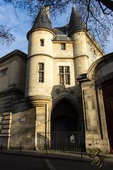 Porte des Archives (Thierry Poupon) Tags: archivesnationales paris poivrières porte architecture monument médéval gate entrance tower iledefrance france fr
