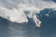 Crash course (Paul Cowan Photography) Tags: surfing surf surfingatjaws surfjaws jaws bigwave bigwaves surfer surfers maui hawaii