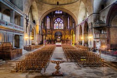 Cathedrale St Etienne de Cahors (Barry O Carroll Photography) Tags: cathedral cathedralesaintetienne cathedralestetienne cahors lelot lot france interior architecture church nave aisle alter travel wideangle