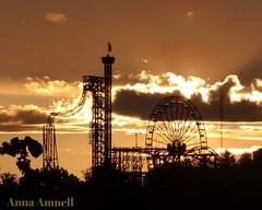 Linnanmäki aanulla (Anna Amnell) Tags: sunrise helsinki linnanmäki auringonnousu