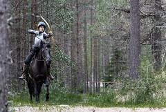 Horseback archery (G Er Foto) Tags: game superhero sweep pregame dha horsebackarchery ultrahero pregamesweep beridetbågskytte dhahunttrackcup