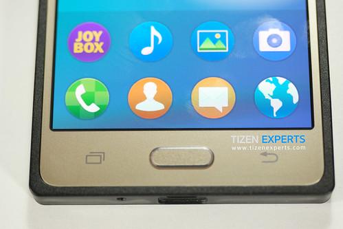 "Samsung-Z3-Developer-Device-TM1-Tizen-Experts-8 • <a style=""font-size:0.8em;"" href=""http://www.flickr.com/photos/108840277@N03/19677984763/"" target=""_blank"">View on Flickr</a>"