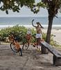 Selfie en Barra da Tijuca, Río de Janeiro, Brasil (Edgardo W. Olivera) Tags: bicicleta selfie barradatijuca ríodejaneiro sudamérica southamerica woman mujer beach playa verano summer panasonic lumix gh3 edgardoolivera microfourthirds microcuatrotercios bike río