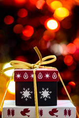 354/366 2016 - Christmas Presents (fishyfish_arcade) Tags: bokeh christmas d3200 dof nikon sigma105mmf28 xmas depthoffield lights macro macromondays sigma105mmf28exdgoshsmmacro 366 365 christmasbokeh holidaybokeh