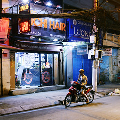 Color of Saigon (katushang) Tags: nikon dslr fx fullframe fullframelens vietnam hochiminhcity 35mm 35mmafd 35mmf2 35mmaf2d 35mmf2d street city urban southeastasia earthasia life 越南 nightscene night nightvision afterdark