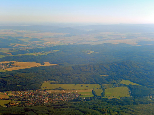 Flying over Czechia, 2016 Aug 26 -- photo 6
