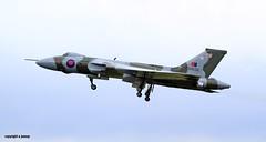 _MG_2567  vulcan XH588 (M0JRA) Tags: robin flying airport aircraft sheffield displays hood vulcan bombers doncaster xh588