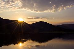 Skadarsko Jezero 2 (Gure Elia) Tags: sunset lake reflection backlight lago atardecer reflejo montenegro simetry simetría crnagora sigma2470 skadarskojezero hazdeluz dujeva