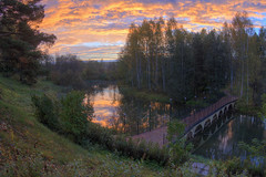 quiet corner of the autumn (Sergey S Ponomarev - very busy) Tags: sergeyponomarev canon eos nature natura landscape paysage paesaggio autumn sunrise autunno forest garden park october russia russie russland 2016 europe ducks reflections sky clouds bridge 70d zenit zenitar fisheye сергейпономарев природа лес парк отдых пейзаж сад осень нижнеивкино россия киров вятка октябрь европа облака небо отражения рассвет dawn hdr highdynamicrange