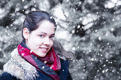 Snowfall (TRUE.panda) Tags: zeiss carlzeiss za sonnart18135 sony a850 portrait people