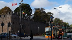 CALL MUM (pix-4-2-day) Tags: street bus castle wales fun call cardiff flags mum burg mauer flaggen strase pix42day