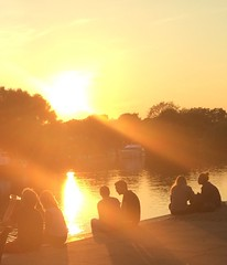 Sunset on the Thames (bjg_snaps) Tags: sunset summer yellow thames evening riverside couples