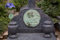 Nina Vyroubova's Grave. Sainte-Genevive-des-Bois Cemetery (Oleg.A) Tags: paris france grave ledefrance tomb cimetire saintegenevivedesbois emetery saintegenevivedesboisrussiancemetery