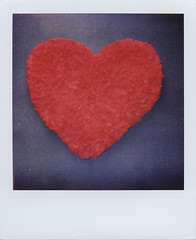 Heart-shaped [Show me yours I'll show you mine] (ale2000) Tags: blue red analog polaroid carpet heart first 600 instant heartshaped instantphotography polaroidisnotdead 600color believeinfilm