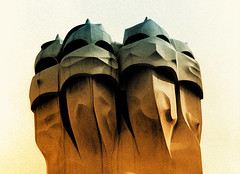 I guerrieri di Gaudì (gianclaudio.curia) Tags: bianconero blackwhite nikonfm3a nikkor10525 kodaktrix rodinal viraggio pellicola grana 400iso