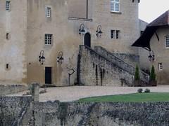 Château d'Arricau (XIVe, XVIe), Arricau-Bordes, Vic-Bilh, Pyrénées Atlantiques, Aquitaine, France. (byb64) Tags: arricau arricaubordes vicbilh béarn biarn bearno 64 pyrénéesatlantiques pirinioatlantikoak pirineosatlánticos aquitaine aquitania akitania aquitanien france francia frankreich europe europa eu ue nouvelleaquitaine château castle castello burg castillo xive xvie 14th 16th monumentshistoriques mh gascogne gascony gascona gasconha