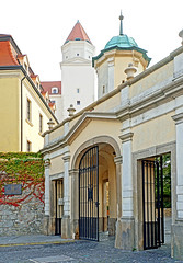 Slovakia-03060 - Bratislava Castle Gate (archer10 (Dennis) 88M Views) Tags: slovakia globus sony a6300 ilce6300 18200mm 1650mm mirrorless free freepicture archer10 dennis jarvis dennisgjarvis dennisjarvis iamcanadian novascotia canada bratislavacastle castle hill white courtyard