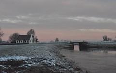 Het oude sluiswachter huis te Aduarderzijl (Maarten Kroon @ shooting) Tags: waarhuis sluiswachter huis aduarderzijl middaghumsterland westerkwartier groningen grunn holland reitdiep
