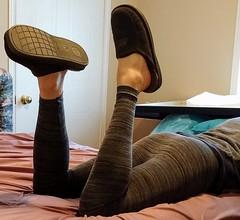 Grey footless tights (doverlt) Tags: tights legs feet fashiontights footlesstights leggings greytights grey