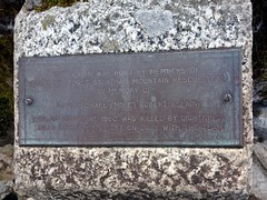 """Memorial cairn on Drws Bach • <a style=""""font-size:0.8em;"""" href=""""http://www.flickr.com/photos/41849531@N04/19346679575/"""" target=""""_blank"""">View on Flickr</a>"""
