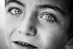 Eyes of worry (Giulio Magnifico) Tags: portrait macro children blackwhite eyes child refugees streetphotography worried syria isis syrian jihad halep kilis nikond800e nikkormicro105mmafsvrf28 da3sh