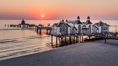 k-IMG_2610c (Bluehourphotographer) Tags: rügen seebrücke baltic sea ostsee sunrise sonnenaufgang morgenstunde sonne strand sellin seebrückesellin