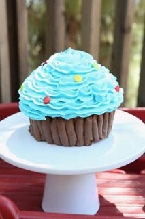 12-Sweets at polkatots CupCakes