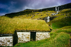 The other side of the House - Saksun (@PAkDocK / www.pakdock.com) Tags: 2016 faroe landscape pakdock scotland travel lake sea nature island clouds house ocean outdoor architecture roof grass green village waterfall sunny islands earth outdoors landmark grassland planet voigtlander emerald wanderlust faroese streymoy saksun hill storm light serene field sun ray traditional
