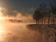 Steam rising from the sea, as the temperature sinks to  -17 degrees Celsius. (KaarinaT) Tags: sea freezing freezingweather january cold helsinki finland kaivopuisto beautifullight steam fog heat rizin 17degreescelcius