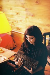 (merra marie) Tags: girl log tronco lady yellow light red amarillo twin peaks madera casa film 35mm analogue