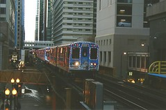 CTA Holiday Train 2016 (trainphotoz) Tags: chicagotransitauthority cta statelake chicagol thel chicagoloop theloop holidaytrain happyholidayrailway