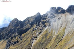 Paredes del cráter, Volcán Imbabura (©Chelo) Tags: rebel eos canon 1855mm t2i ecuador imbabura paisaje dia sol cielo sky montaña volcan volcano naturaleza nature cordilleradelosandes andes trekking caminata altura relajación paisajes volcanes recuerdos belleza outdoor