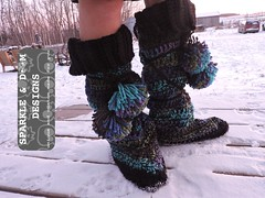 LuckyWandererBoots04b (zreekee) Tags: crochet sparkledoomdesigns luckywandererboots drops slippers mukluks