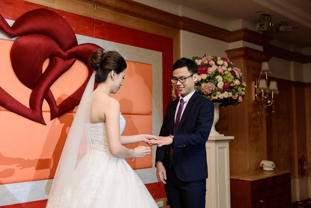 Wedding day-0072 ,僑園婚攝,台中僑園,僑園婚宴,新秘Alice ,婚攝小勇,台北婚攝, 小淑造型團隊