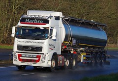 VOLVO FH - HARBRO (scotrailm 63A) Tags: lorries trucks tankers