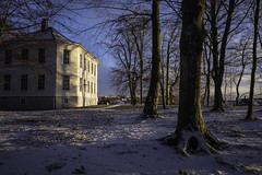 January (PetterPhoto) Tags: kristiansand pettersandell petterphoto januar january gimle gimlegård park snow winter trees house mansion white blue
